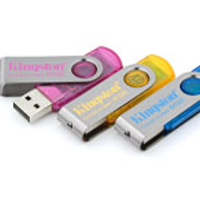 - KINGSTON DataTraveler101 USB 4GB cyan